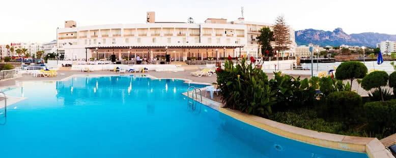 Açık Havuz - Dome Hotel