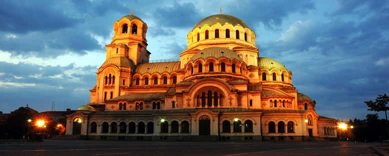 Akşam Işıklarıyla Alexander Nevsky Katedrali - Sofya