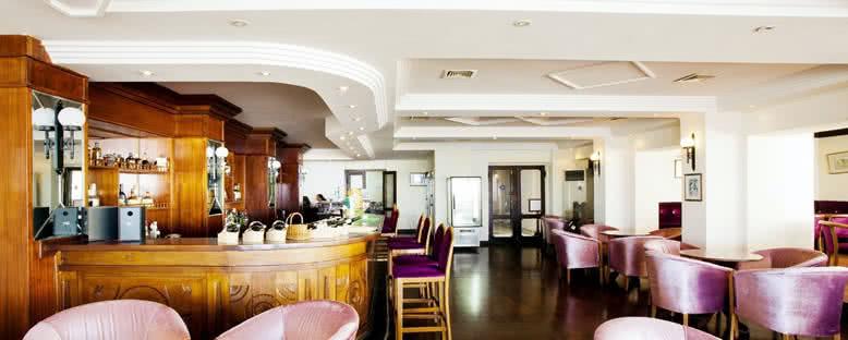 Bar - Dome Hotel
