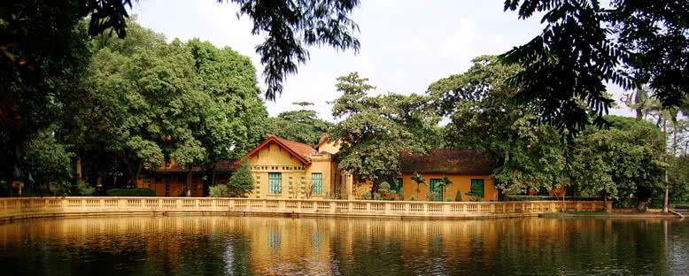 Başkanlık Sarayı Bahçeleri - Hanoi