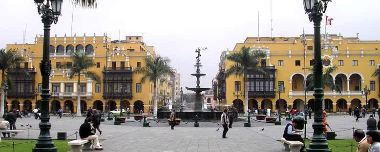 Belediye Binası ve Ana Meydan - Lima