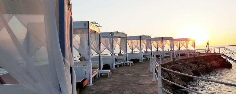 Cabana'lar - Malpas Hotel