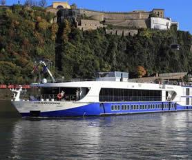 Ren Nehri Gemi Turu
