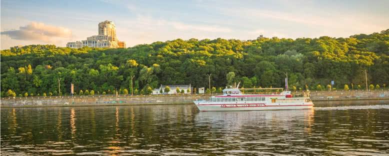 Dinyeper Nehri Kıyıları