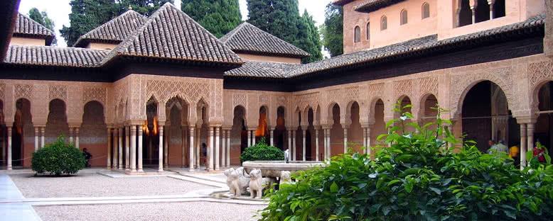 Elhamra Avlusu - Granada