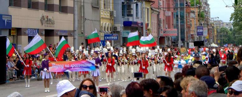 Geçit Törenleri - Kazanlık Gül Festivali