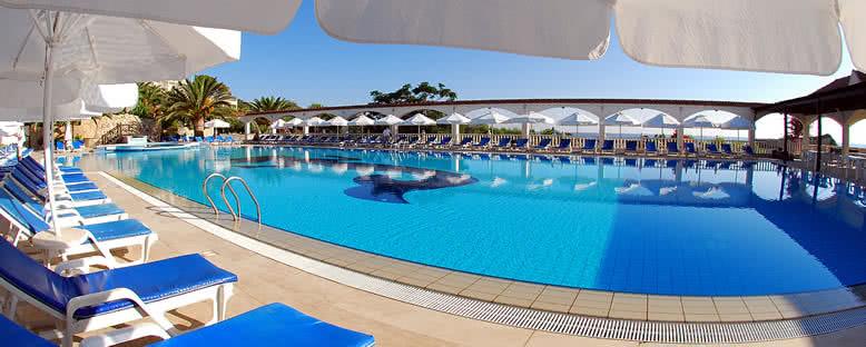 Havuz Başı - Deniz Kızı Royal Hotel