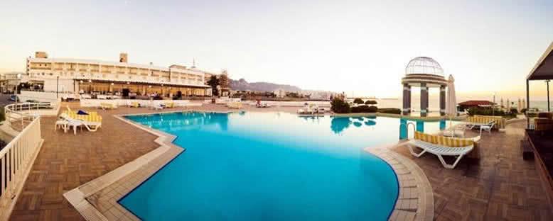 Havuz Başı - Dome Hotel
