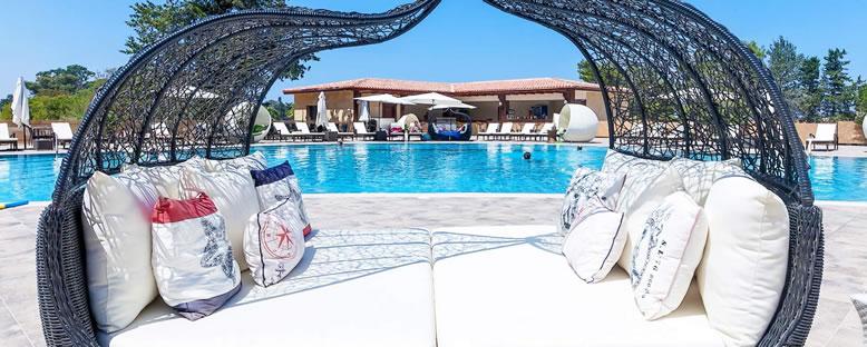 Havuz Keyfi - Le Chateau Lambousa Hotel