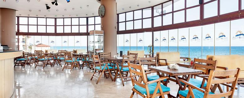 Lobby Bar - Salamis Bay Conti Hotel