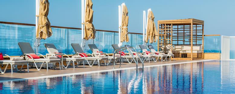 Havuz Keyfi - Lord's Palace Hotel
