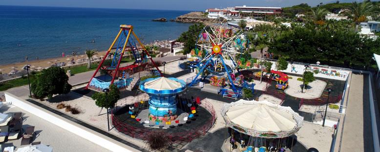 Lunapark - Acapulco Resort Hotel