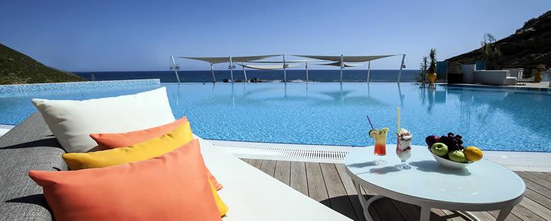 Mia Beach - Elexus Hotel