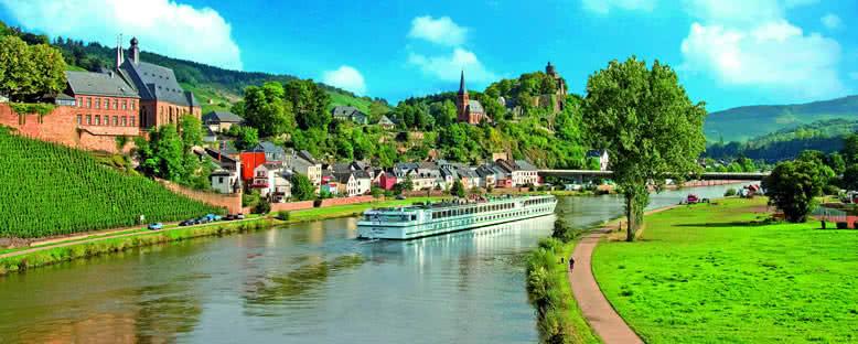 Nehir Gemisi ile Seine Nehri