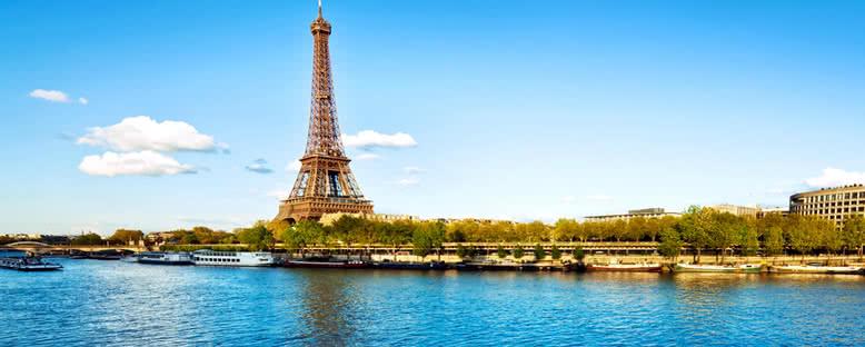 Nehirden Eiffel Manzarası - Paris