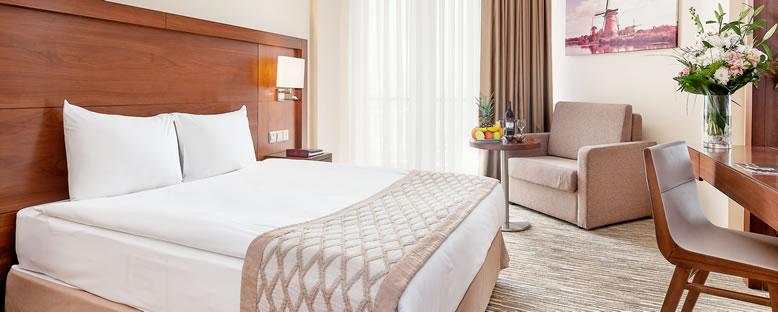 Örnek Çift Kişilik Oda - Salamis Bay Conti Hotel