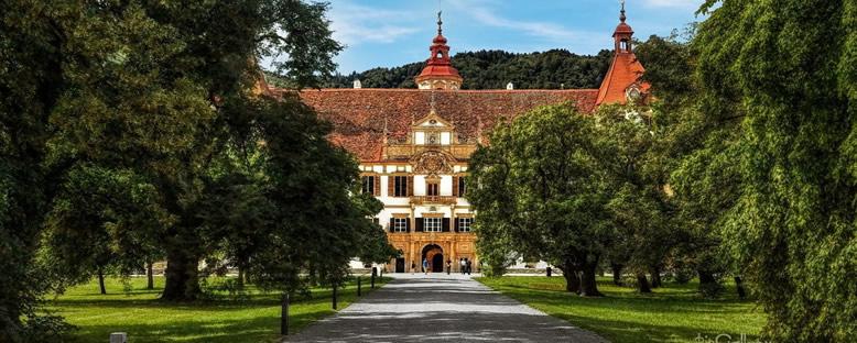 Eggenberg Sarayı Girişi - Graz