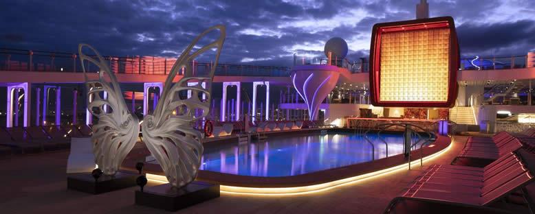 Pool Deck Gece Manzarası - Celebrity Apex