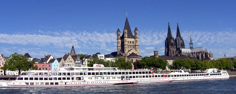 Ren Nehri Gemi Turları