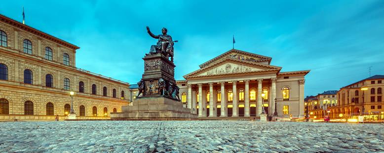 Max Joseph Meydanı ve Ulusal Tiyatro - Münih