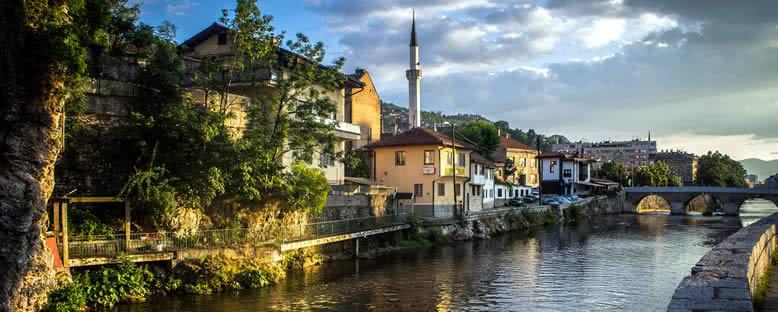 Miljacka Nehri Kıyıları - Saraybosna