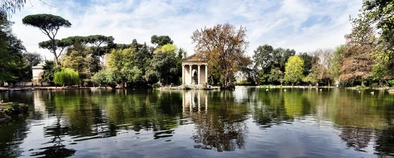 Villa Borghese Bahçesindeki Roma  Tapınağı - Roma