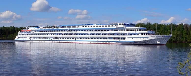 Volga Nehri Turu Tekneleri